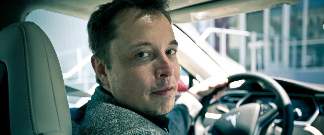 Elon Musk alerta para os perigos da inteligência artificial