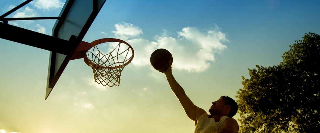 b520886c8 Marca de roupa para adeptos de basquetebol depende de parcerias para chegar  ao mercado