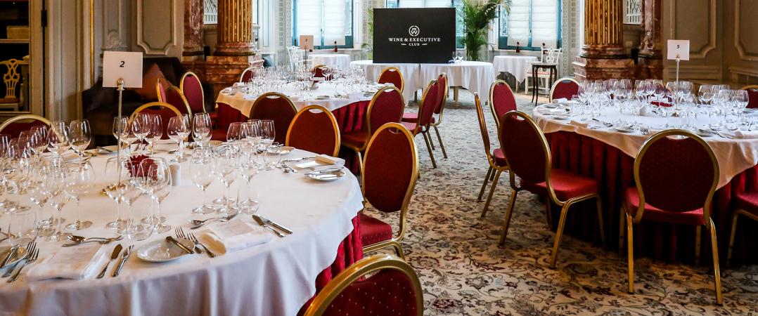 A mesa: o pretexto para conversas à volta do vinho e dos negócios